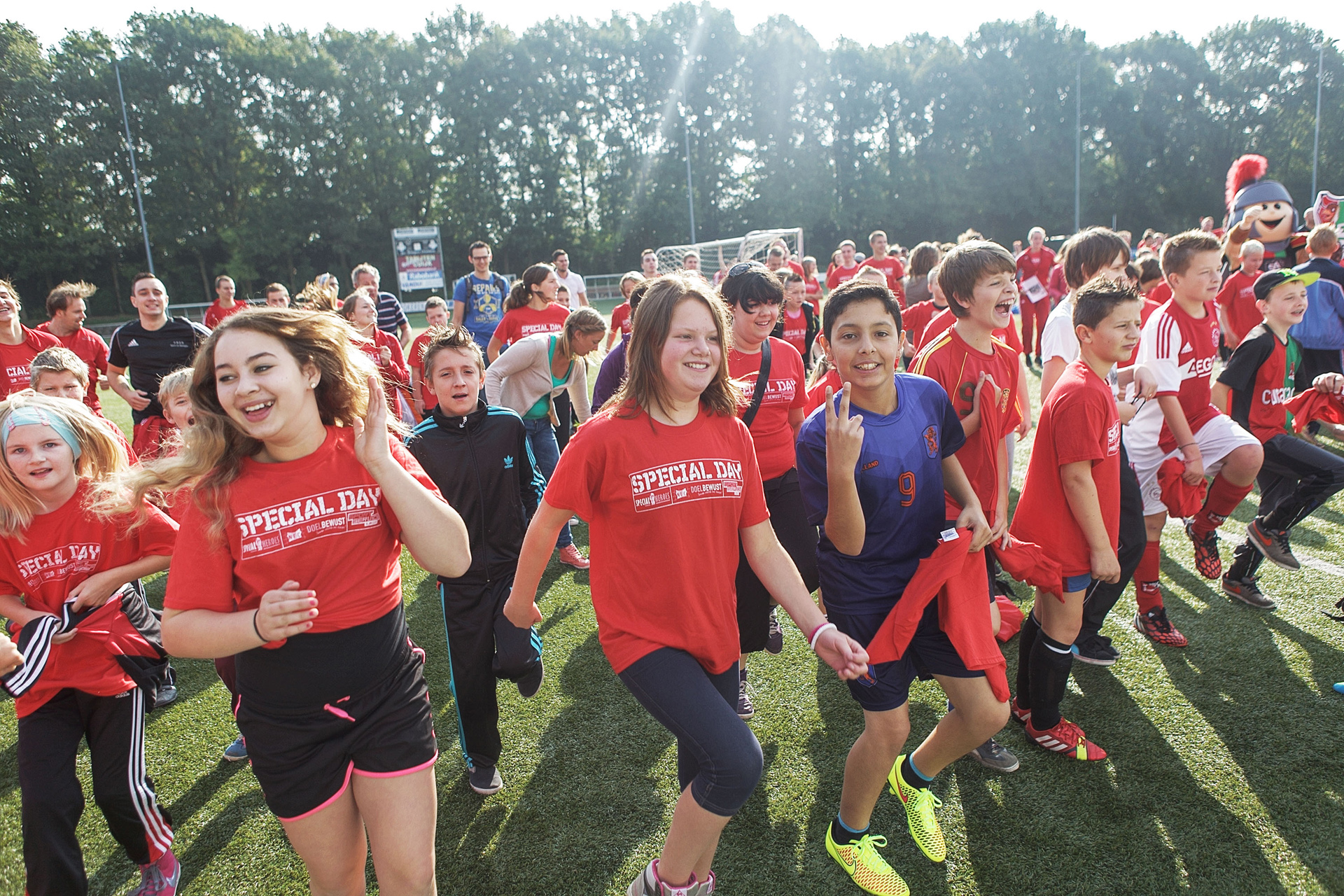 NEC Special Day : Verschillende verenigingen met speciaal sportaanbod verzorgen tijdens de Special Day@N.E.C. gastlessen om te laten zien dat er voldoende sportmogelijkheden zijn voor kinderen met een beperking. Foto : William Moore