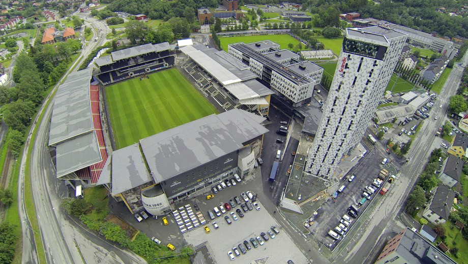 lerkendal-stadion-med-hotell-scandic-flyfoto_x1868mzhhzw01i4rxnawxd4eg