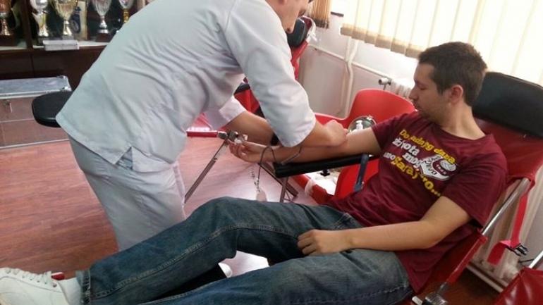 u-cetvrtak-6-augusta-akcija-darivanja-krvi-u-prostorijama-fk-sarajevo